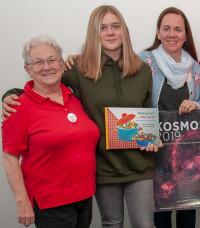 AsF-Vorstandsmitglied Lore Leitmeier (links) freute sich sehr über die Lesung ihrer Tochter, die auch die Enkelin (Mitte) mitgebracht hatte.